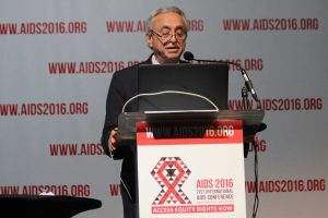 El Dr. Pedro Cahn presenta los resultados del estudio PADDLE.