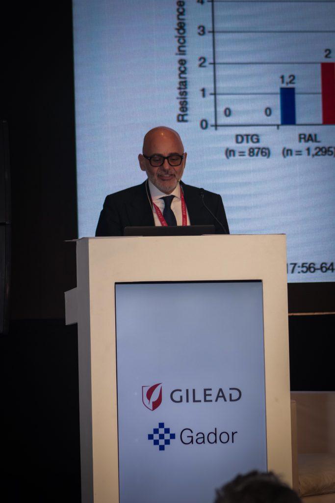 Dr. Roberto Arduino en el Simposio Científico 2019