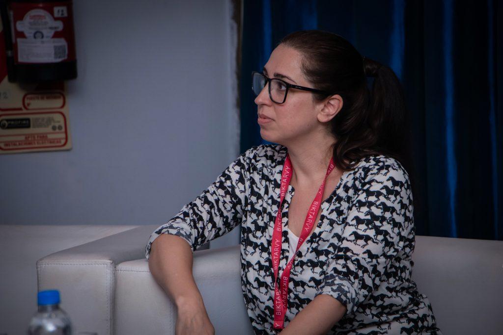 Laura Belli de EcoFeminita en el Simposio Científico Fundación Huésped 2019
